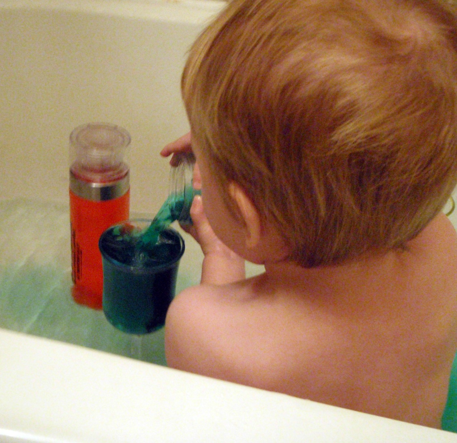 Food Coloring + Bath = Awesome